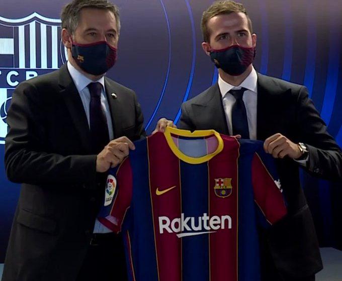 الليغا: بشكل رسمي فريق برشلونة يقدم لاعبه الجديد بيانيتش