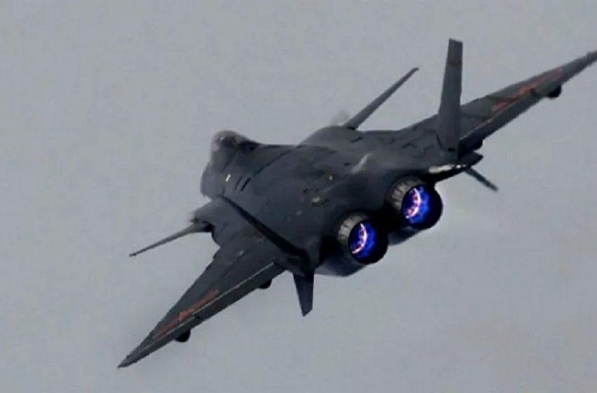 """روسيا: الحيش يعلن عن سقوط طائرة من نوع """"سو-35 إس"""" في البحر ونجاة الطيار"""
