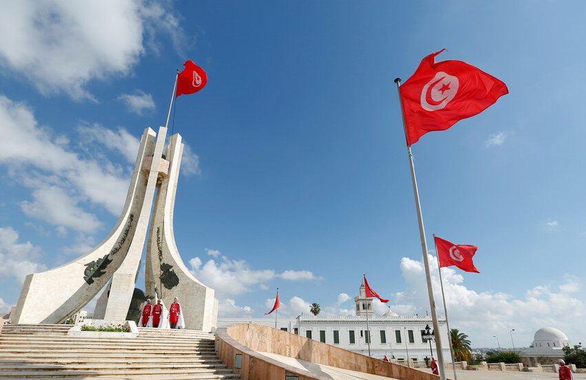 """تونس: الرئيس يمدد تجميد البرلمان """"حتى إشعار آخر"""""""